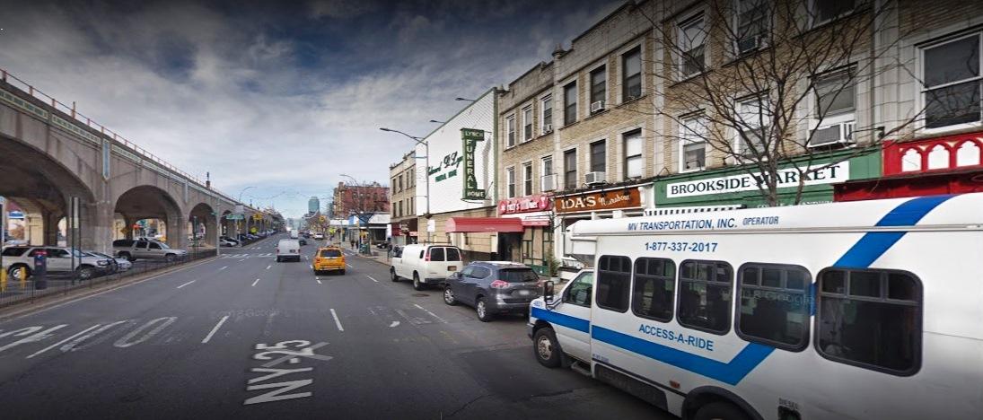 Turista muere asesinado durante pelea en bar de Queens