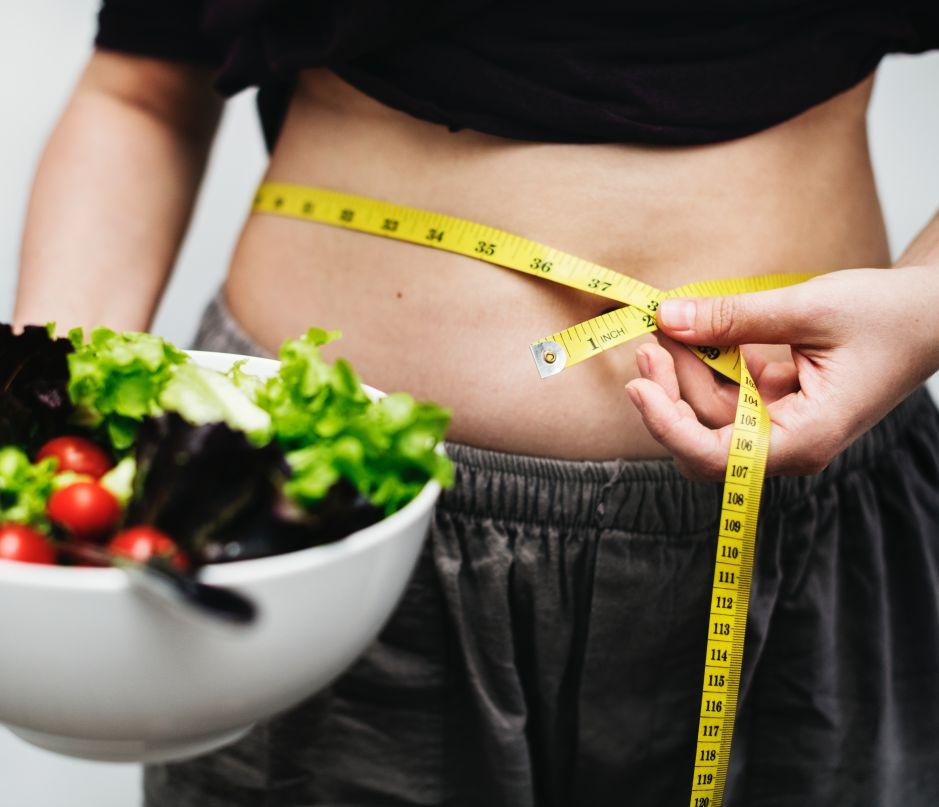 ¿A qué hora debo comer si quiero bajar de peso?