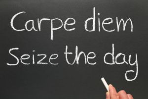 Letras: ¿Las mujeres deben estudiar latín?