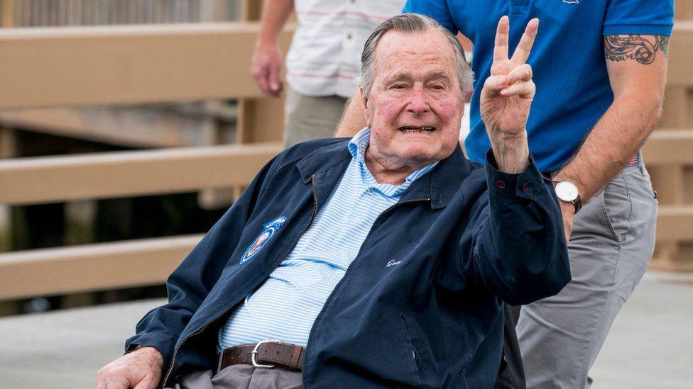 Los índices de aceptación de Bush padre en la presidencia alcanzaron el 90%