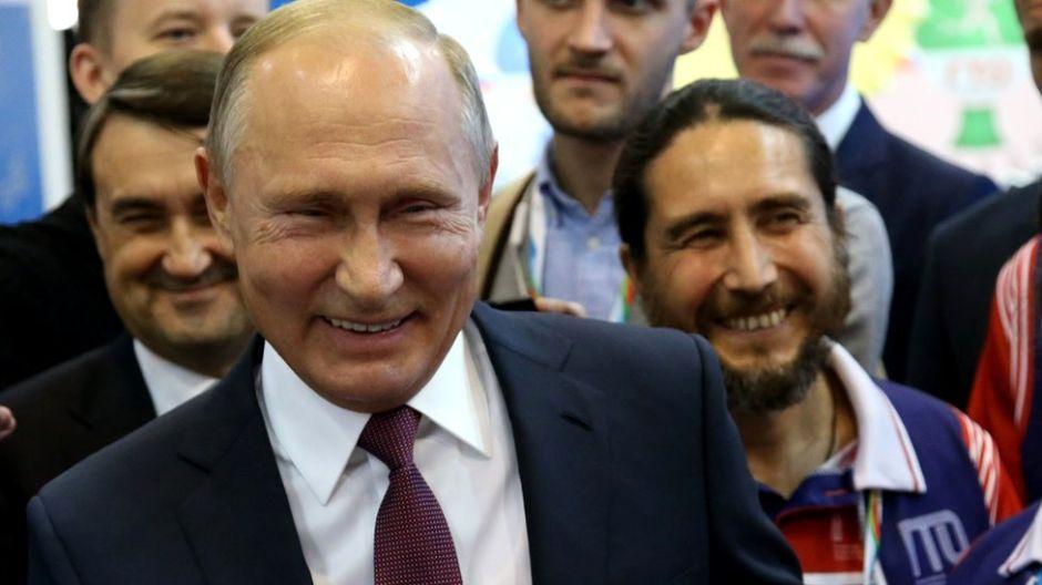 Cómo la Rusia de Vladimir Putin convirtió el humor en un arma