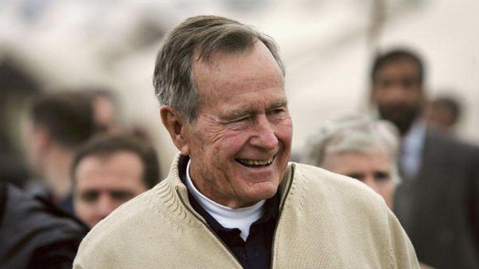 George H. W. Bush: las cartas que el expresidente de EEUU intercambió con un niño filipino que apadrinó en secreto
