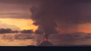 Ascienden a 373 muertos y más de 1,400 heridos por tsunami en Indonesia