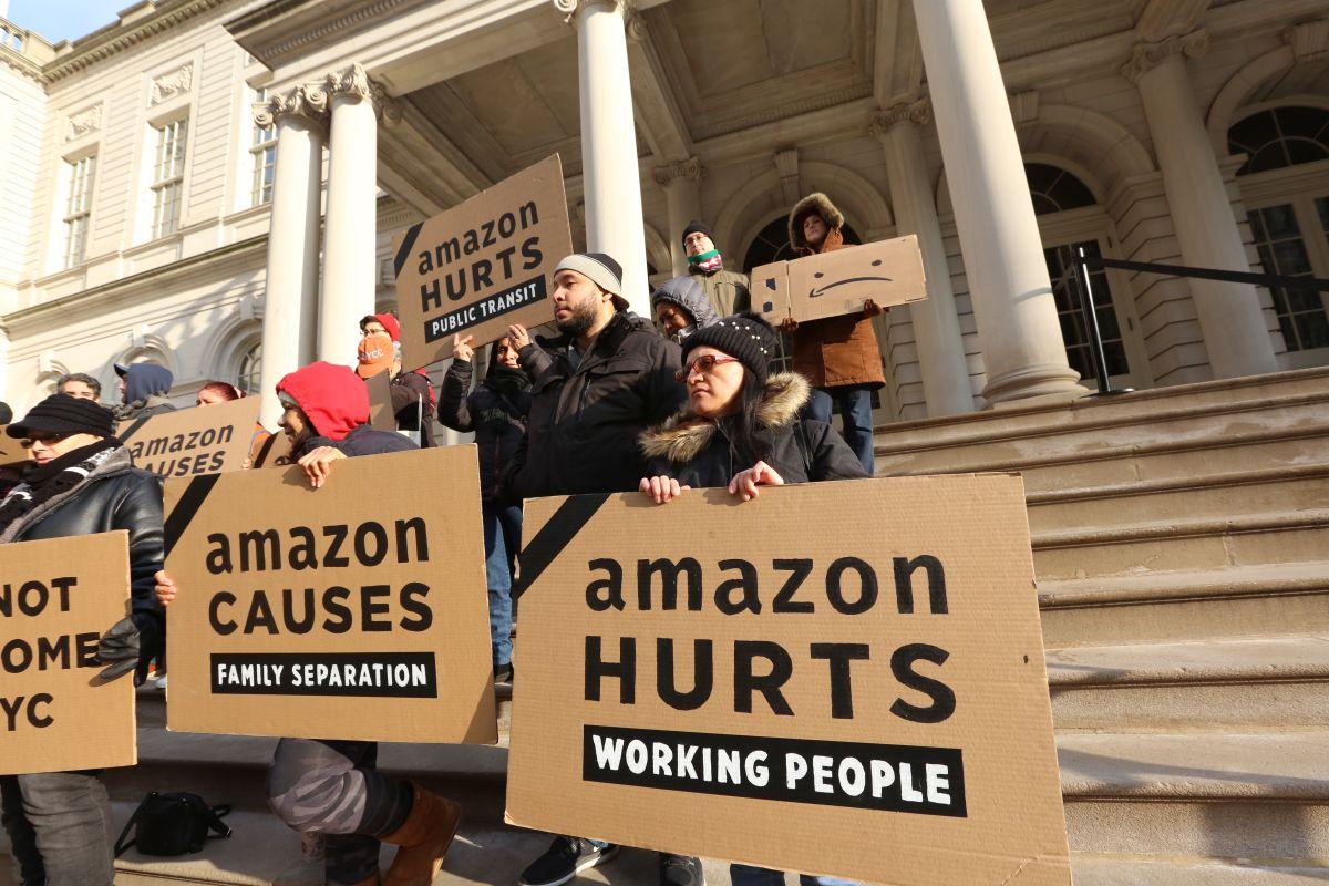 Cuomo y activistas intentan que Amazon cambie de idea y regrese a Nueva York