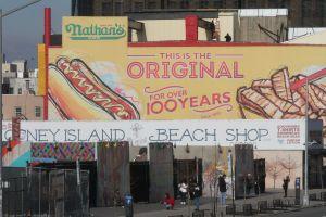 Celebración de Fin de Año en Coney Island impulsa empleos