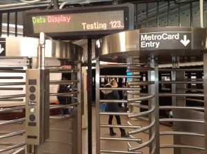 MTA comienza plan piloto que eliminará las MetroCards