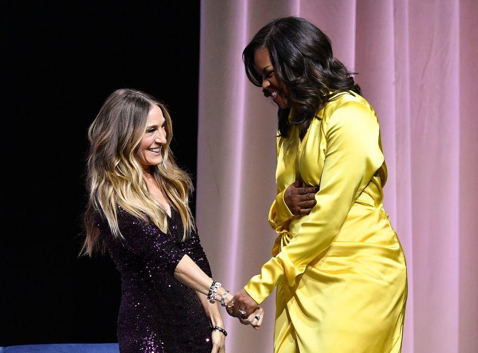 Michelle Obama presume sus torneadas piernas en botas de $3,900 dólares