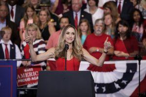 La esposa de Eric Trump muestra su cuerpazo en diminuto bikini en Florida