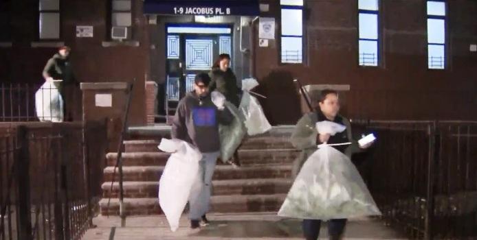 Bomberos descubren cultivos de marihuana en dos apartamentos del Alto Manhattan