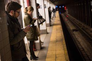 Tres claves de la orden para imponer multas de $50 a quienes viajen en trenes de NY sin mascarilla