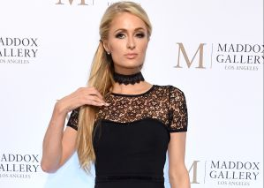 Paris Hilton se refugia en el trabajo para superar el fracaso amoroso con Chris Zylka