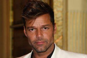 Hombre se opera para parecerse a Ricky Martin… y este es el resultado