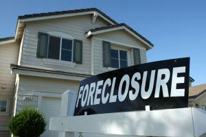 Gobierno de Trump ordena suspensión de desalojos y juicios hipotecarios