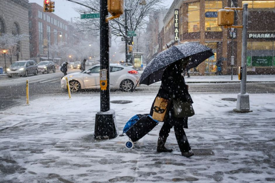 NYC decreta 'alerta de tormenta' por nevada el martes