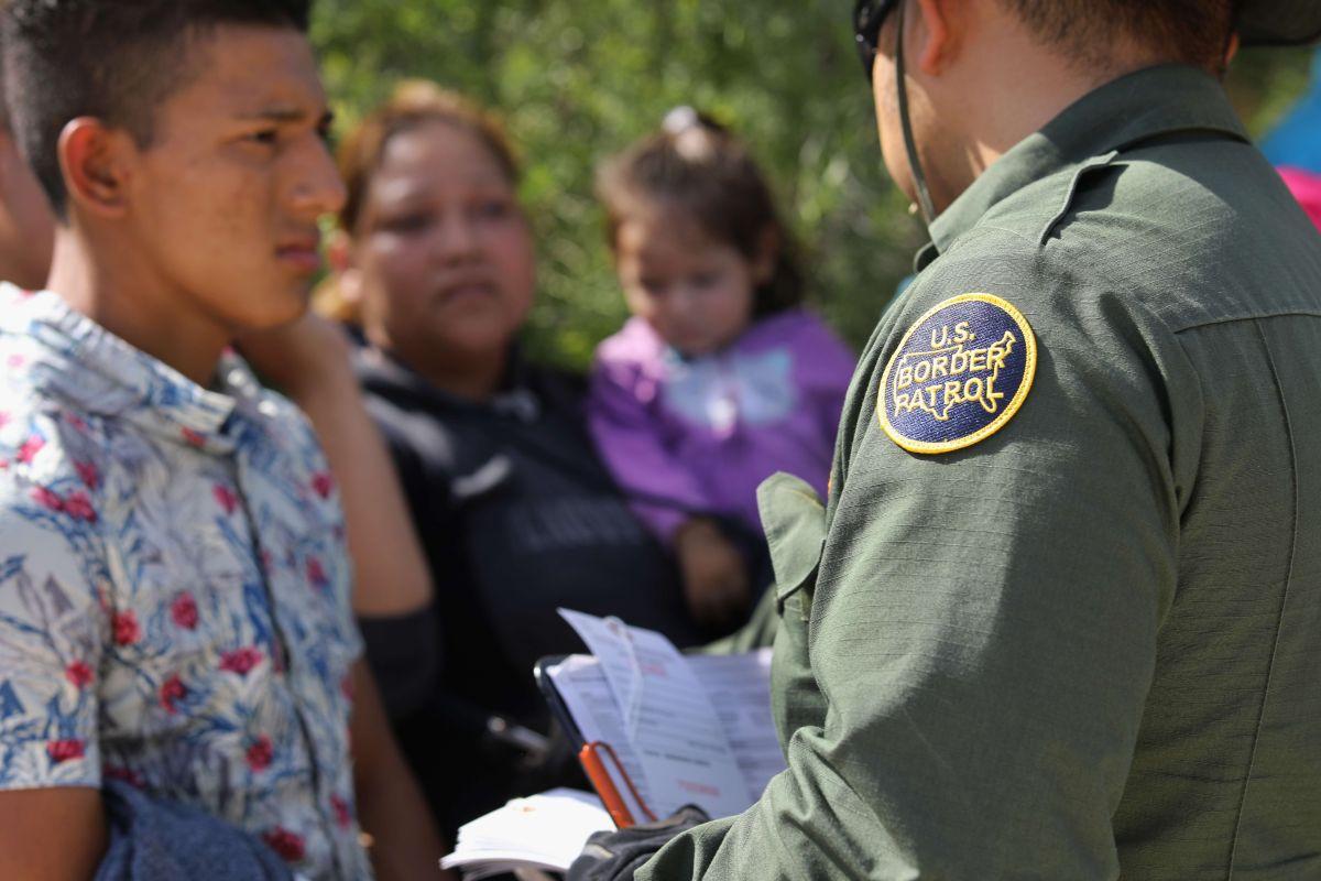 """La política """"tolerancia cero"""" de la Administración Trump separó a miles de padres y tutores de menores en la frontera."""