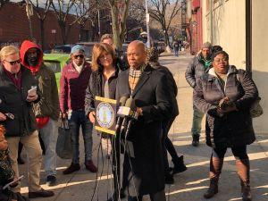 Llueven críticas contra NYPD tras video que muestra aparente abuso policial en Brooklyn