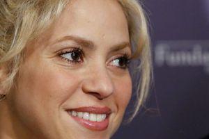 """Shakira rompe la red al cantar """"Domino"""" en compañía de su padre, William Mebarak"""
