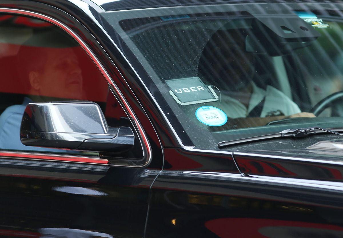 Aprueban salario mínimo para conductores de taxi que usan apps en NYC