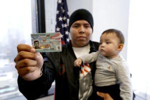 Menor no acompañado de El Salvador logra residencia en Estados Unidos