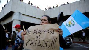 """""""Un golpe de Estado en cámara lenta"""": la crisis que vive Guatemala tras la expulsión de la Cicig por el presidente Jimmy Morales"""