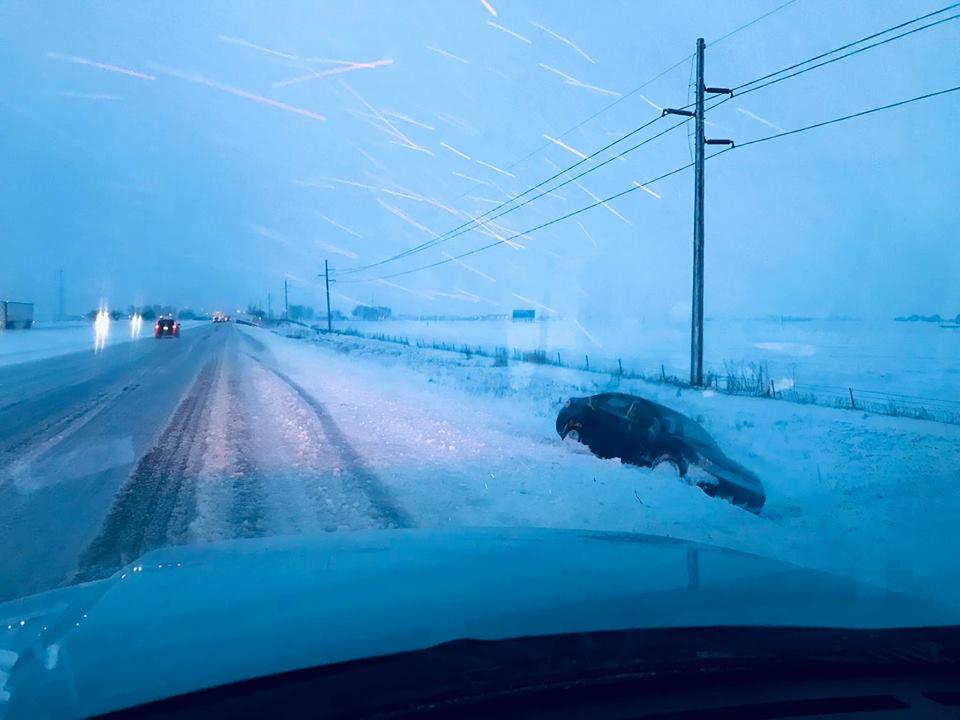 ¿Intrépida o loca? Mujer maneja a más de 115 mph en zona de 30 ¡con nieve!