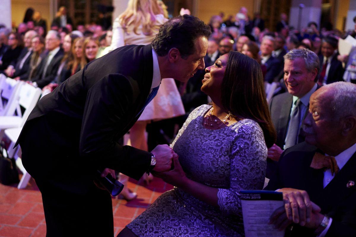 Cuomo renunció a su nuevo aumento salarial de $25 mil, pero sigue siendo el gobernador mejor pagado del país