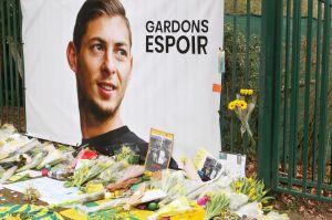 A Sala lo siguen buscando sus familiares mientras el Cardiff City ya congeló el pago al Nantes