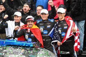 Fernando Alonso y su equipo se imponen en las 24 Horas de Daytona