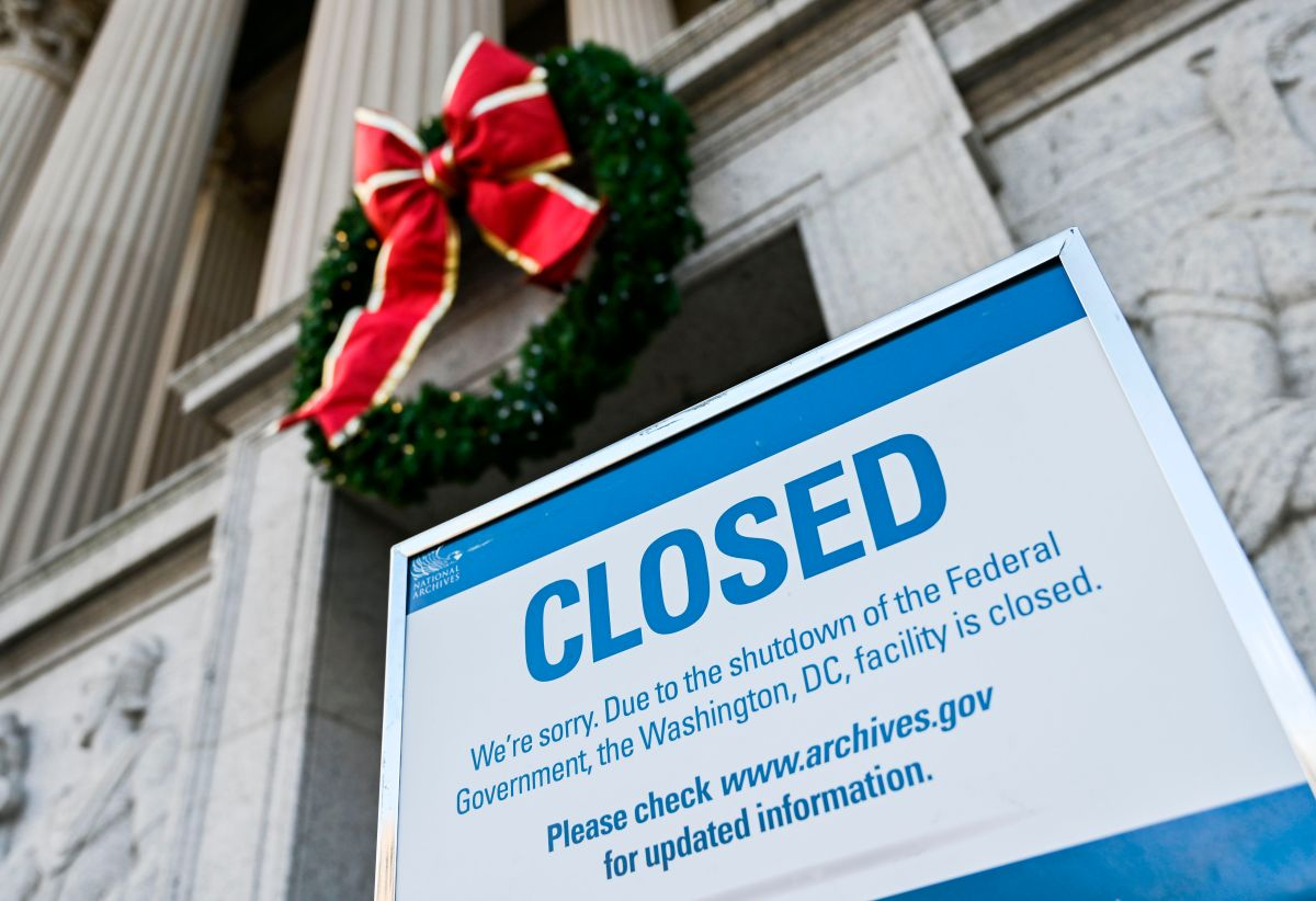 Alcalde: 2 millones de personas en riesgo por cierre federal en NYC; abren banco de comida en El Bronx