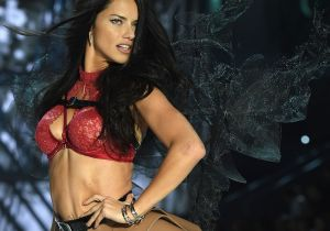 Adriana Lima está nuevamente solterita y sin compromiso