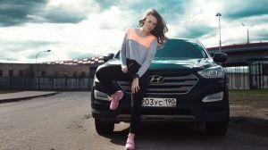 Por qué las mujeres pagan menos dinero en seguros de autos que los hombres