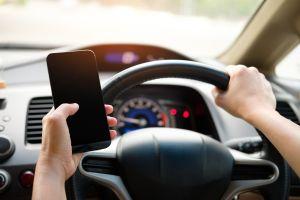 Este dispositivo manda señales a tu celular para alertarte de problemas con tu auto
