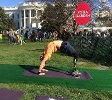 Profesor de yoga confiesa su pasado, es veterano de guerra y el yoga cambió su vida