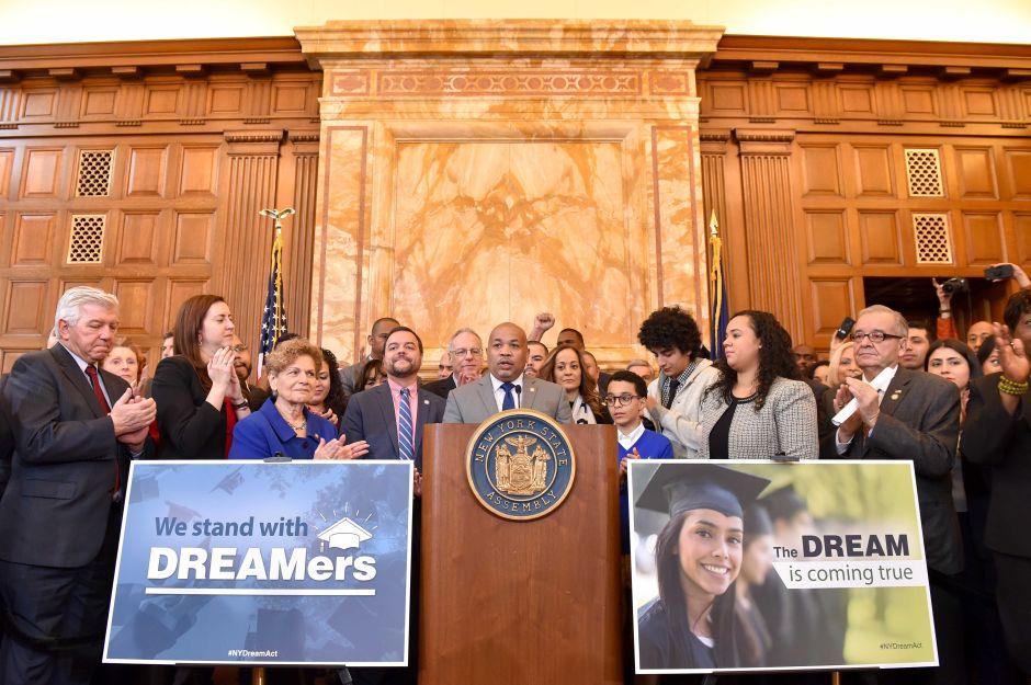 'El sueño' se hace realidad: Albany aprueba el NY Dream Act