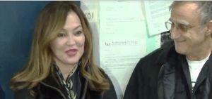 Inmigrante recompensa a quien le devolvió $10 mil dólares perdidos en el Metro