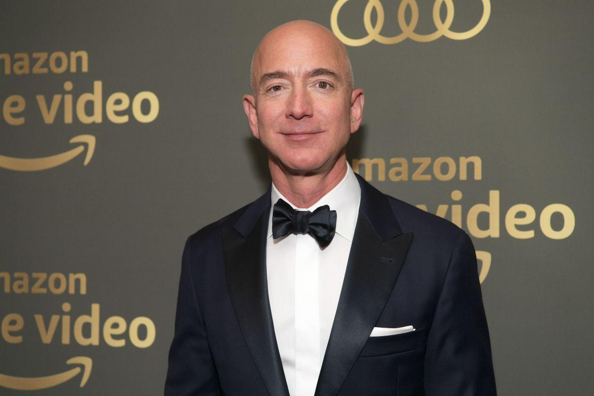 Jeff Bezos, dueño de Amazon, denuncia chantaje de tabloide aliado de Trump