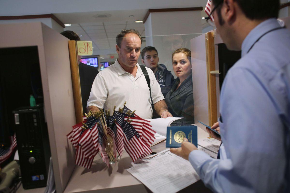 Si vas a solicitar una visa en EEUU prepárate para entregar datos de redes sociales, correos y mucho más