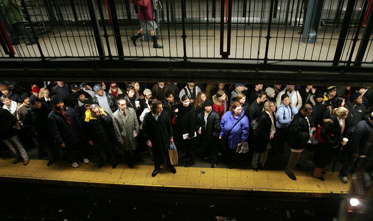 Esto fue lo que retrasó el Subway este lunes: Hombre se lanza a los rieles