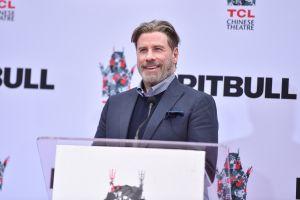 Nuevo look de John Travolta deja a fans en shock