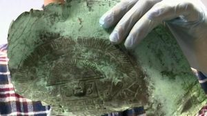 En busca de tesoro millonario, hallaron máscara precolombina en aguas de Florida