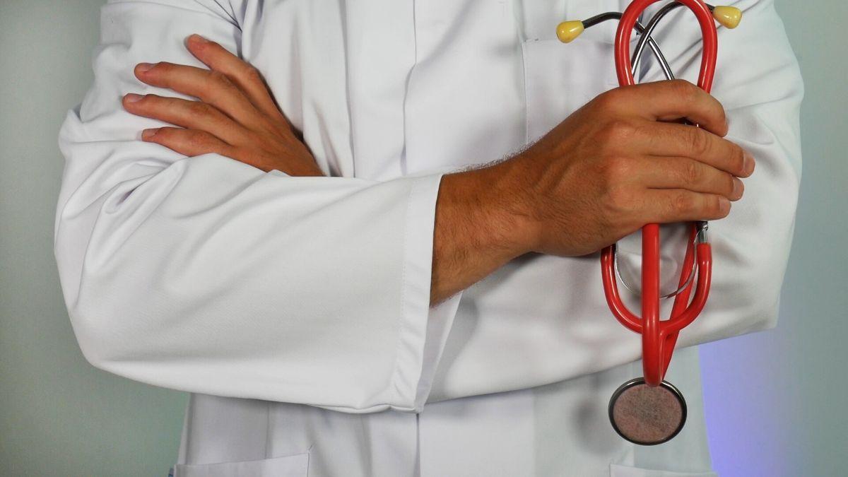 """""""No bien follada"""", el increíble diagnóstico que un médico le dio a una mujer por escrito"""