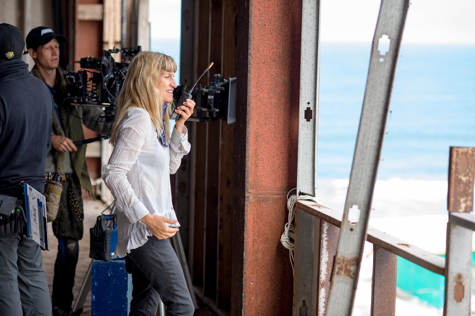 Catherine Hardwick durante el rodaje. / Foto: Sony Pictures