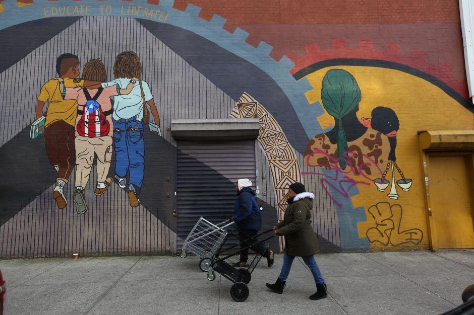 Alcaldía impulsa estrategias para mejorar calidad de vida en barrios de NYC