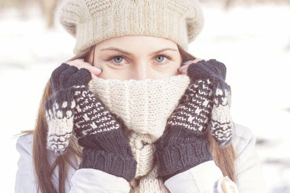 4 sets de bufandas y gorros de invierno para adultos usar durante el frío extremo