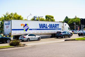 Suben la demanda y los salarios de los camioneros