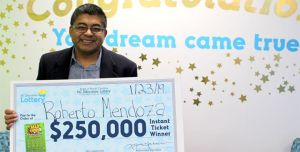 Latino, inmigrante y ex cocinero de Trump y Obama gana lotería y usa el dinero para dar de comer a los desfavorecidos