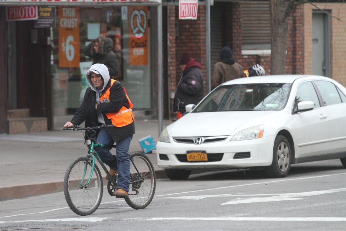 NYPD anuncia 237 recortes de personal, la mayoría agentes de tráfico mientras suben las muertes