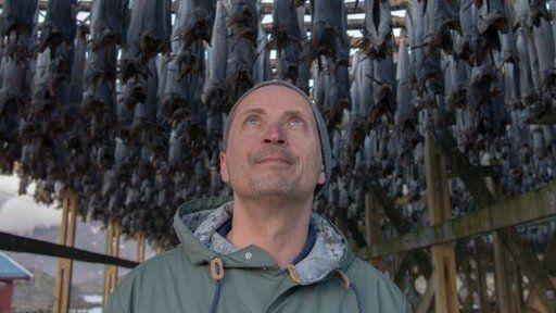 Morten Strøksnes, el escritor que se embarcó en una increíble aventura en busca del tiburón boreal