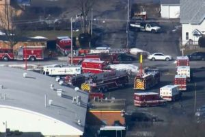 Varios heridos en tiroteo reportado en almacén de Aurora, Illinois
