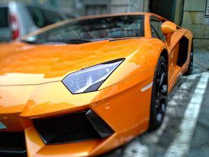 Lujoso auto Lamborghini fue abandonado tras choque en Nueva York